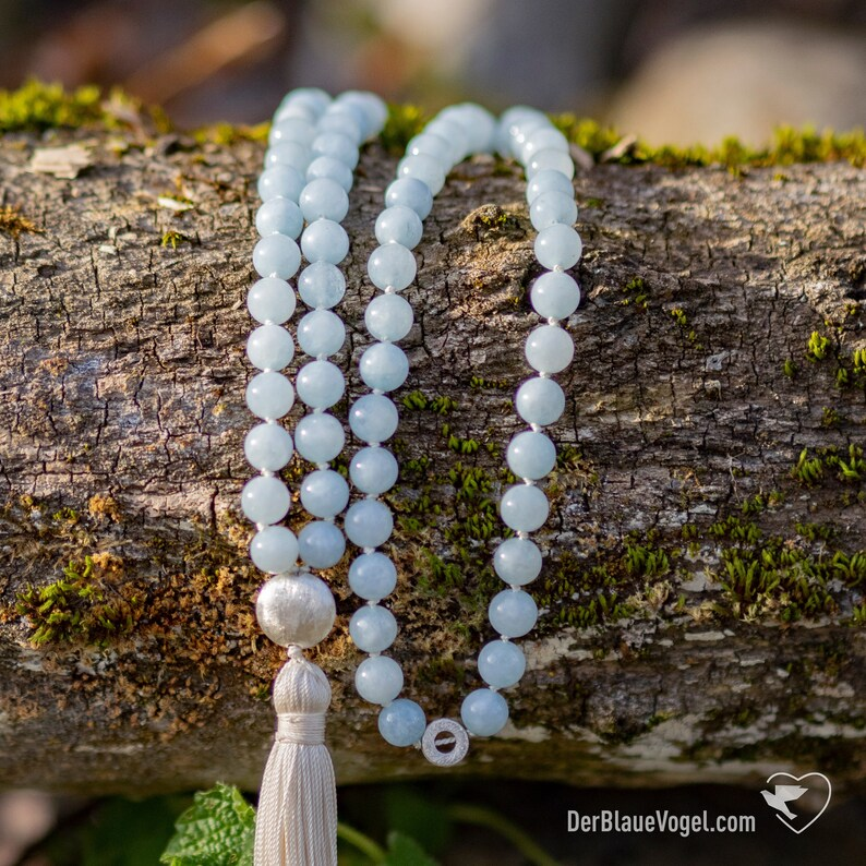 Guru Bead 925 Sterling Silver Natural Silk Aquamarin Handknotted Yoga Mala Real Silk Tassel UNIQUE 108 Aquamarin Gemstone Beads 8mm