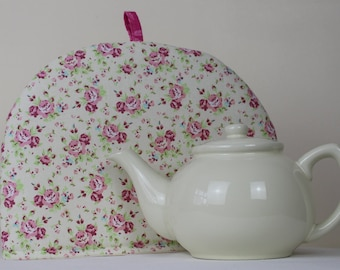 Large Tea Cosy Cozy. Brand New Made in England. Pink Roses on Cream Cotton Fabric.