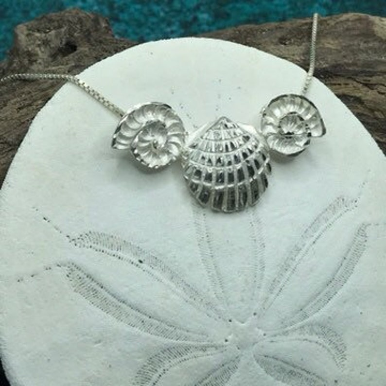 .925 Nautical Ocean Sterling Silver Seashell Trio NecklacePendant with 18\u201d Box Link Chain Beach