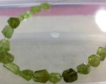 1 strand peridot beaded necklace @A7