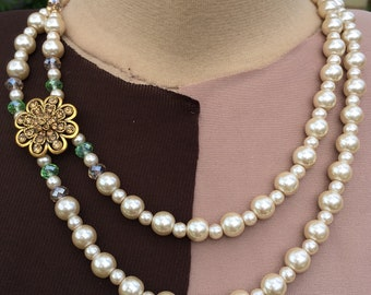 Professional/ formal cream pearl, green and gold necklace with earrings
