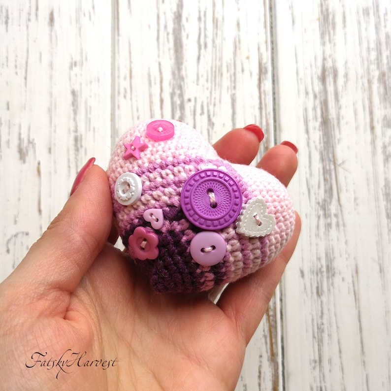 Crochet heart keychain Crochet wedding favors Crochet keyring Amigurumi cute hearts Crochet bag charm Gifts for guest at weddings