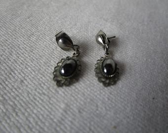 Retro Hematite Stone Petite Pierced Dangle Earrings