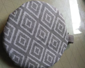 Gray circle zipper ear bud pouch case coin purse holder