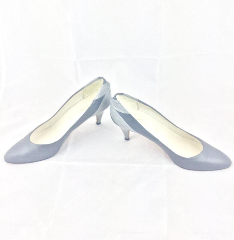 a33de91c71905 Vintage 80s Heels Pumps Shoes By Caressa Spain Retro 80s 90s Gray Leather  Avant Garde Womens Shoes Size 7 N