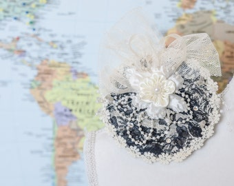 Elegant Formal Event Mother of the Bride Prom Dinner Party Vintage Style Hair Fascinator