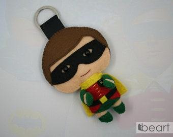 Classic Robin - felt keychain