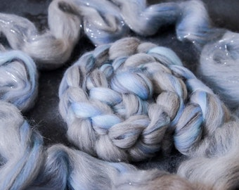 Sparkle Merino Wool Roving / hand combed top with Glittern / for spinning and felting / Comb pull grey blue