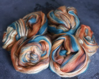 Sample combed top Roving / Merino Wool Tops / Blends wool for spinning and felting / Handblended Wool / Hand-drawn wool / sunset canyon