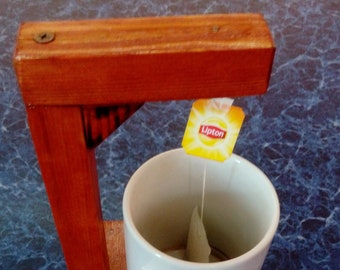 Hangman for tea bags