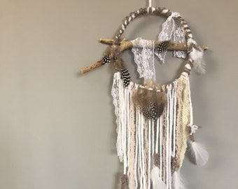 Angel, dream catcher, wool, lace and feathers: to Bohemian dreams...