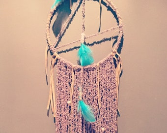 Blue Bird, dream catcher, wool, lace and feathers Lagoon: to Bohemian dreams...