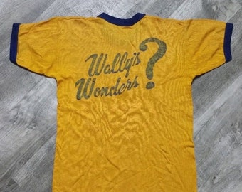 Vintage 70s Wally's Wonders Russell Southern Company Ringer Tee size Medium // Vintage 70s Russell Southern Ringer Tee