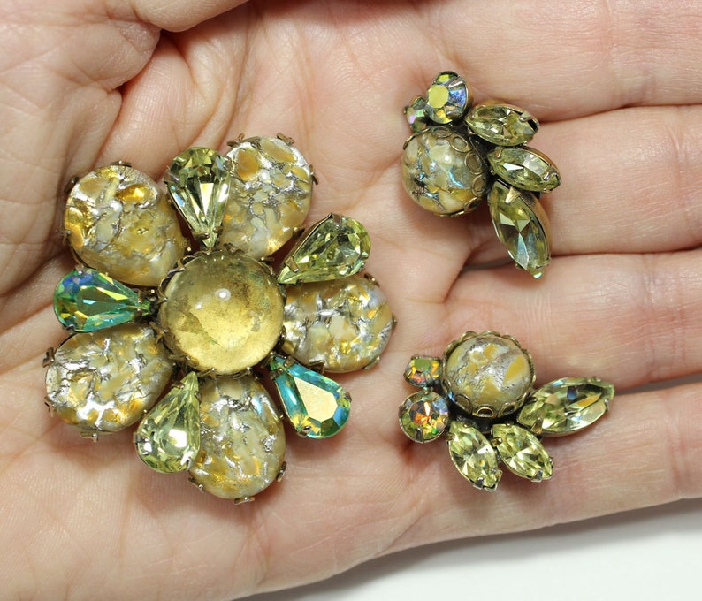 Signed REGENCY pin and earrings FREE Shipping to US and Canada unusual colors demi parure 1950s
