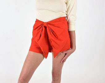 """Orangy Red Side Zip Convertable Bow Shorts 26"""" / 0"""