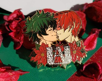 Set Of 2 Poinsettia Coin Purse-Kiss Close and Pin /'Tis The Season NEW!