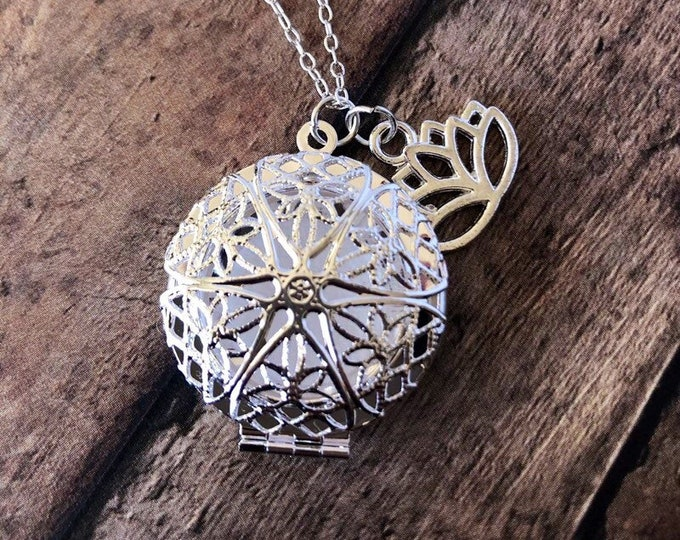 Essential Oil Diffuser Necklace Lotus Flower Charm