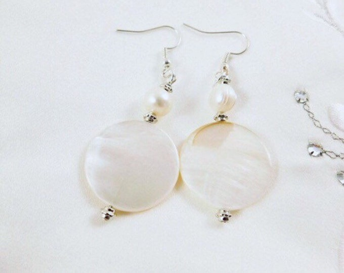 Shell dangle earrings silver, pearl silver earrings, boho shell drop earrings, white bridal earrings, Gift for Bridesmaid, Gift for mom