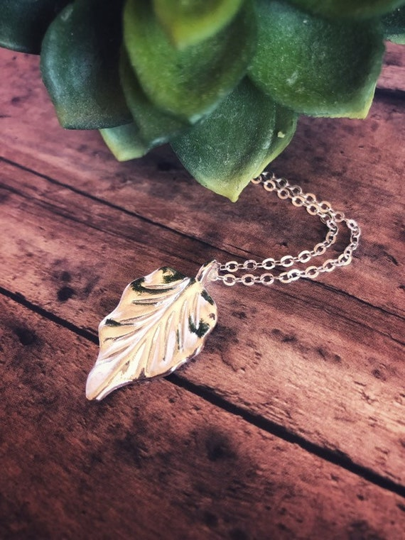 Simple Leaf Necklace Sterling Silver