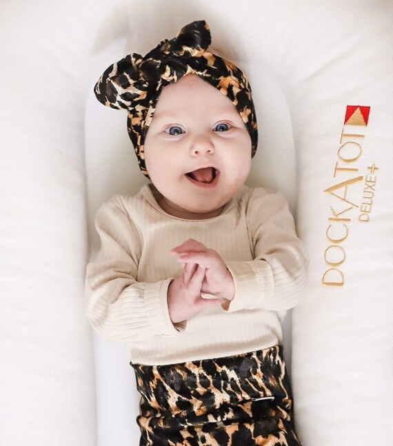 Lilac Purple Cheetah Baby Girl Leggings and Top Knot Headband Set  Preemie Newborn Coming Home Outfit  Leopard Pants /& Bows