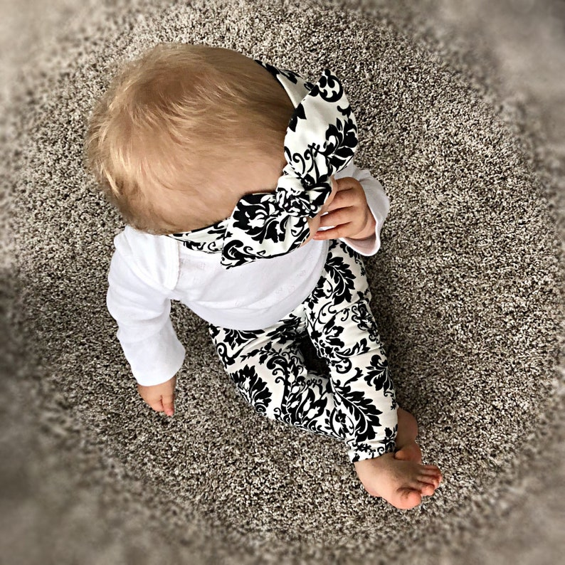 Organic Black /& White Print Leggings and Headband Set  Baby Gift Set  Baby Girl Outfit  Newborn Girl Coming Home Outfit  Preemie Clothes