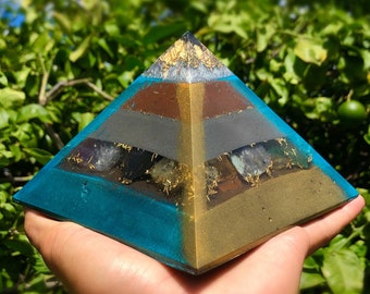 8 Sided Orgone Pyramid - Leadership Confidence Gold Cap Giza - EMF Shield - with Emerald, Calcite, Pyrite, Topaz, Atomized Metals and More