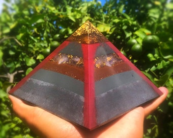 8 Sided Orgone Pyramid - 24K Gold Cap Giza Amethyst Stress and Strain Dispeller  with Tartaric Acid, Shungite, Atomized Metals and More