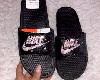 c95301b9fc6849 Swarovski Nike Benassi Folien