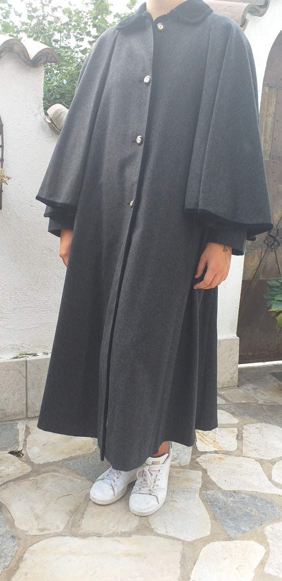 Loden coat with Tyrolean-style cape