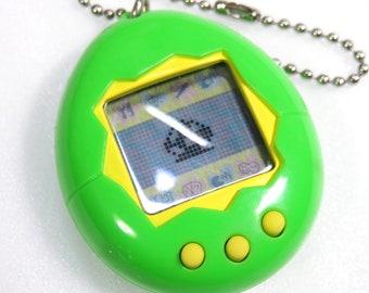 Tamagotchi Original English ver Green 1996 - 1997 Bandai Japan Virtual Pet