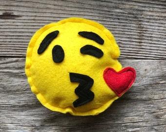 Emoji Felt Cat Toy, Kissing Face