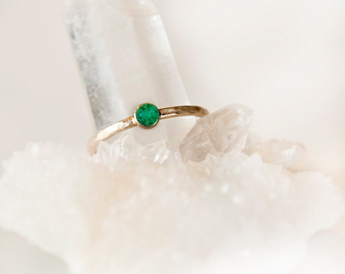 10KT Yellow Gold Emerald Birthstone Ring