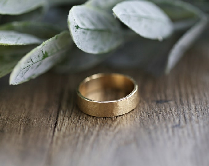 Handcrafted 10 KT Solid Yellow Gold Band