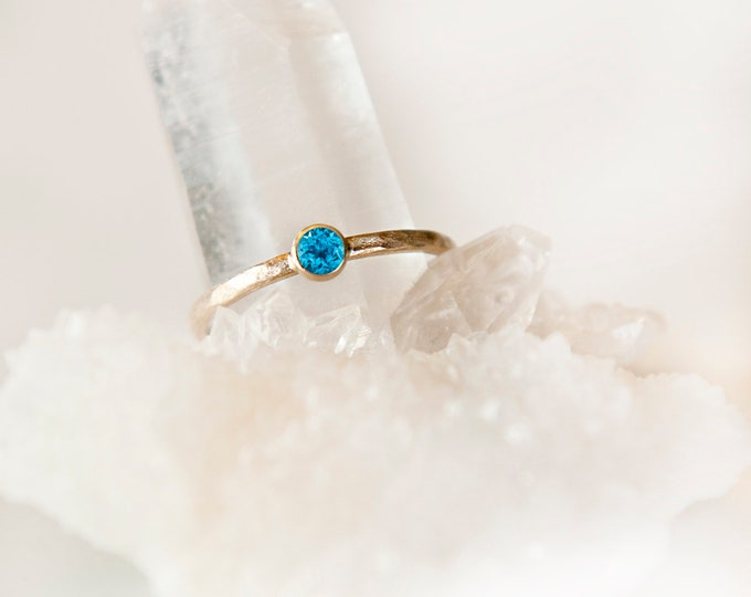 10KT Yellow Gold Blue Topaz Birthstone Ring