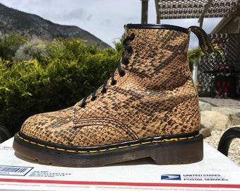 734f879be1fc 90 s Vintage Dr Martens US 8 eye Snake Skin Print Boots amazzonia python  1460 uk6 made in england airwair womens 8-eye animal shoes amazonia