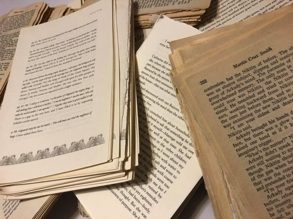 1500 + Pages de livres Technique individuels. Très belle patine. Technique livres mixte. Approvisionnement en papier. Papier vintage. Collage. Matière première. Très bel état. En origami 2a66cf