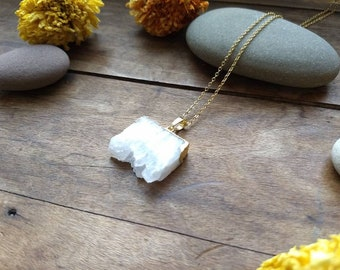 Agate Slice Pendant Necklace, Gold Necklace, Crystal Necklace, Druzy Necklace, Crystal Pendant, Crystal Jewelry