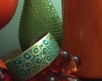 Amoeba...esc, turquoise, brass cuff