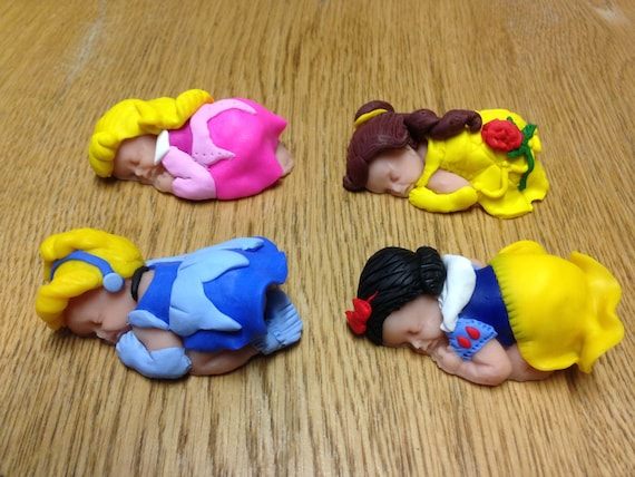 """2.5/"""" Baby Mickey /& Minnie Mouse Sleeping Polymer Clay Baby Cake Topper Figurines"""