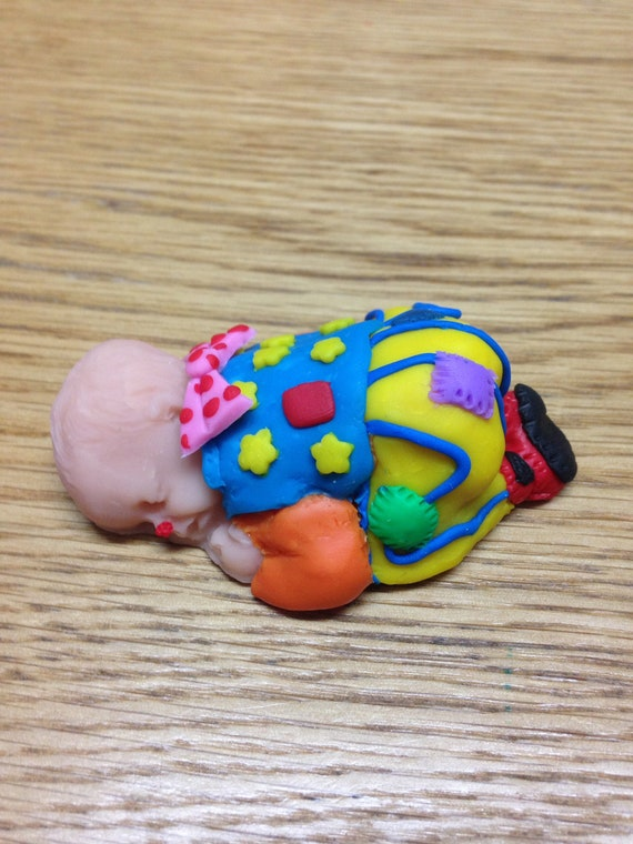 """OOAK 2.5/"""" Pennywise It Clown Sleeping Polymer Clay Baby Cake Topper Figurine"""