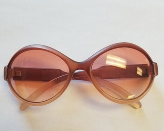 93043596217 Vintage Sunglasses