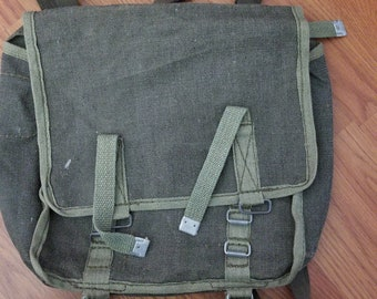 b6ffbb579d Original Polish army haversack   canvas shoulder bag  bread bag   surplus  vintage fashion   canvas messenger bag   green army bag