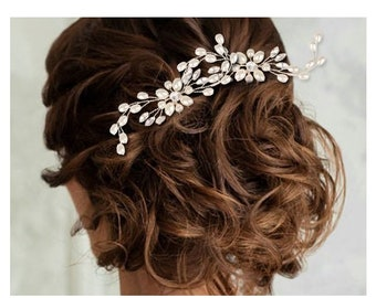 Set of 2 gold Crystal Swarovski pins, romantic wedding, rhinestones delicate for brides