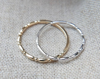 18k Solid Gold Shiny Simple ring, 1.3mm Skinny Thin Stacking ring, Everyday ring, Vintage inspired, Wedding Band, Engagement ring