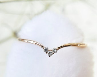 18k Solid Gold Diamonds Ring, April birthstone, Stacking everyday ring