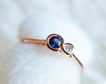 Sapphire Gold ring, 18k Solid Gold Royal Blue Sapphire & Diamond, September ring, Stacking Everyday ring, Vintage inspired Engagement ring