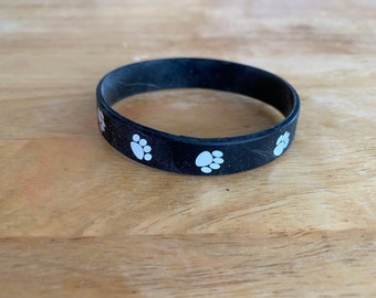 Paw print silicone bracelet, paws, paw print, silicone bracelet, pets, dogs, cats, animals, bracelet