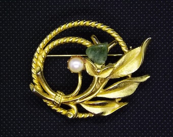 rose Sarah Coventry Brooch / pin in a rope circle