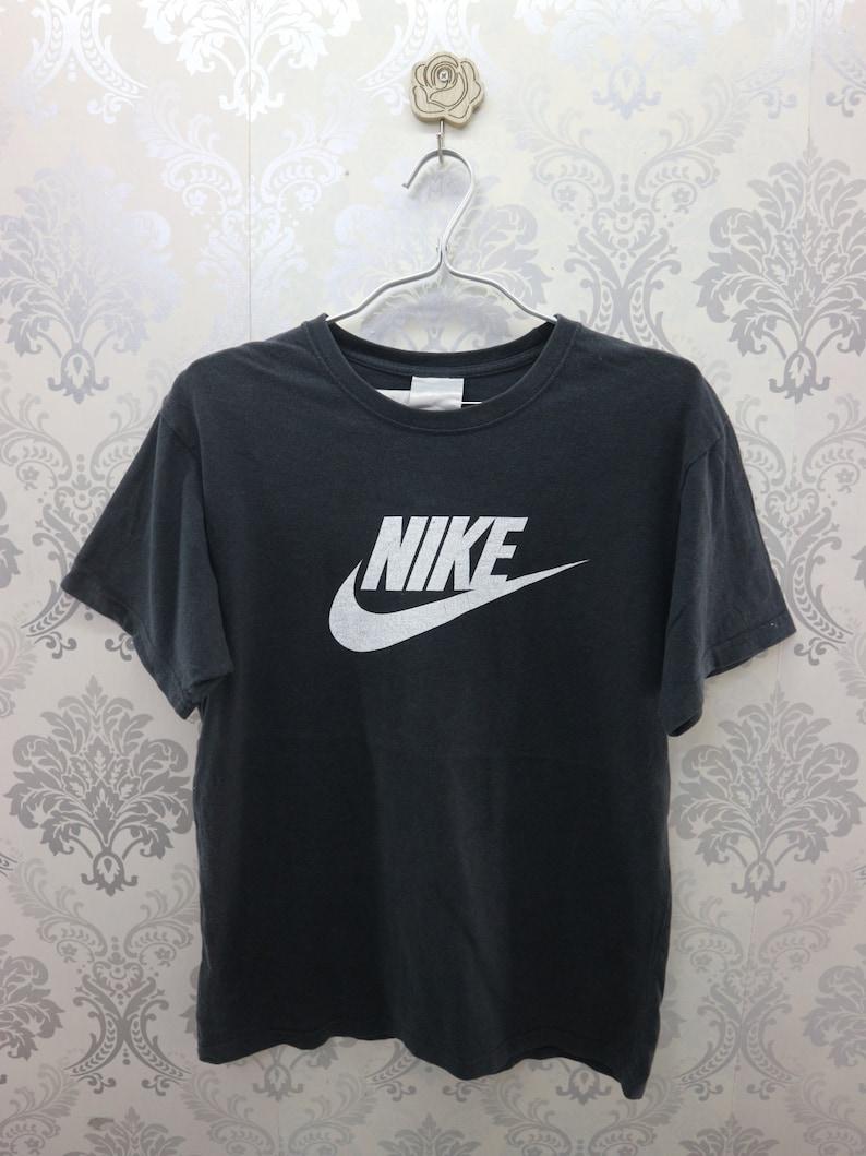 ed0000692e1f7 Vintage Nike Shirt Big Logo Sportswear Streetwear Top Tee Nike T-Shirt Size  L Womens
