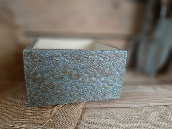Daisy Lace Blue/Brown Square Pot